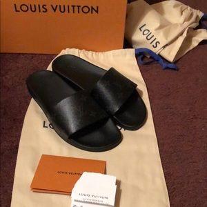 6bd6b420358d3 LOUIS VUITTON Damier Graphite Monogram LV Sandals